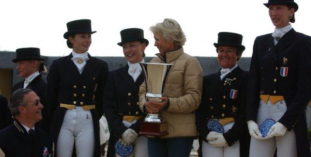 Sieg im Nationenpreis Saumur 2004