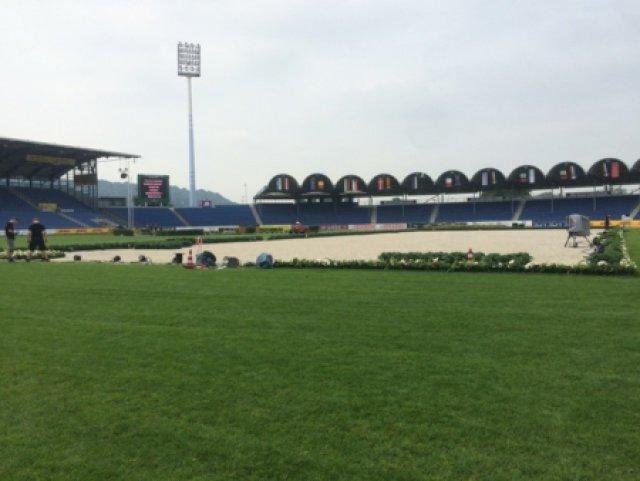 Die Dressur findet im großen Stadion in Aachen statt